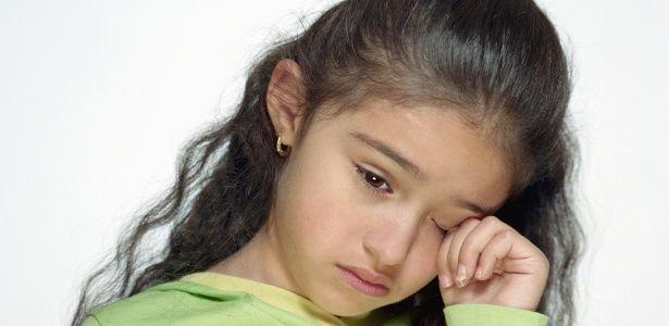 crianca-menina-triste-chorando-tristeza-angustia-1319812727613_615x300.jpg